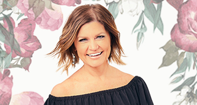heather land on stage image
