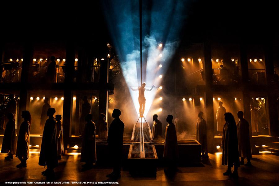 cast of jesus christ superstar on stage